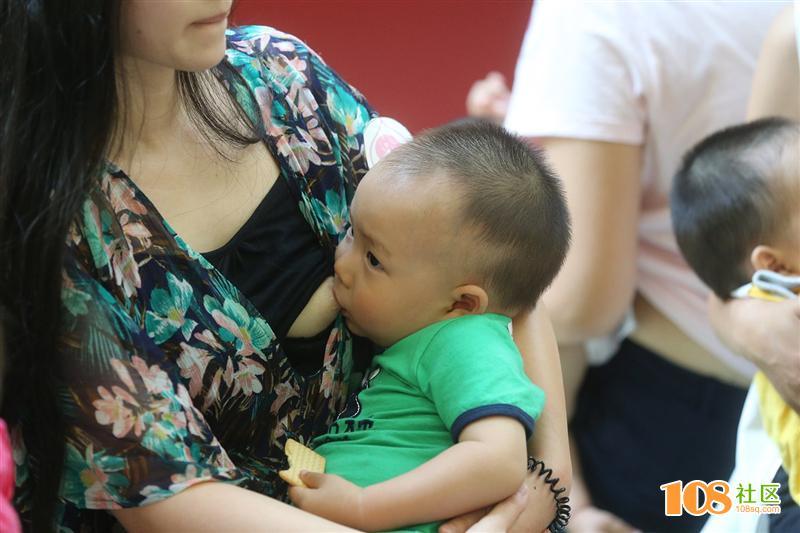 青岛举行母乳快闪,倡导母乳喂养 - 香帅H楚处留香 - 香帅H楚处留香