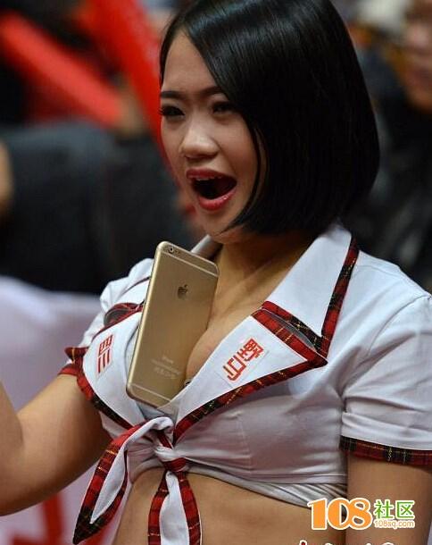如何当好一个篮球宝贝?首先你得会用胸夹手机 - 香帅H楚处留香 - 香帅H楚处留香