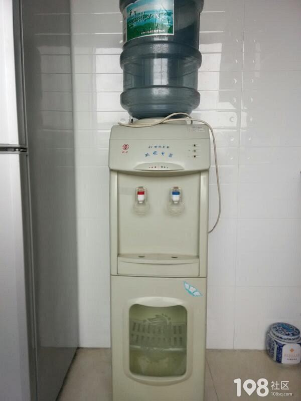 转让闲置饮水机,冷,热水带消毒功能