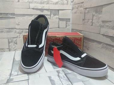 【转卖】工厂直销品牌鞋,超低价出售,专柜质量