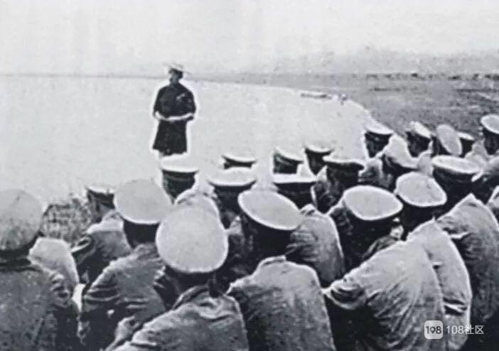 解放军合围舟山本岛 1949年8月19日,解放军攻占了大榭岛,歼敌1448人