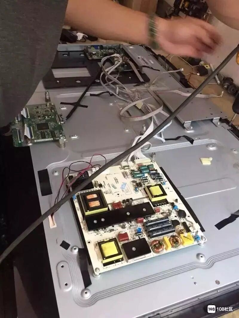 电脑显示微波炉,电磁炉,煲,各种,太装电加热,空气能,等等,以及电焊
