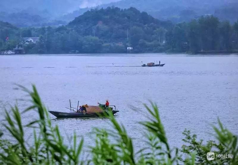 沿途经过富阳,桐庐,建德,淳安可谓风景万千.