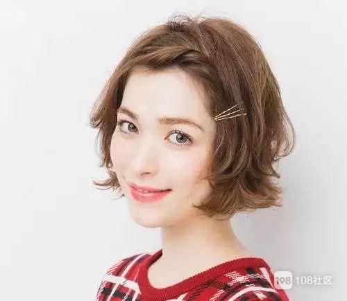 短发也可以性感和可爱~半扎头发最甜美