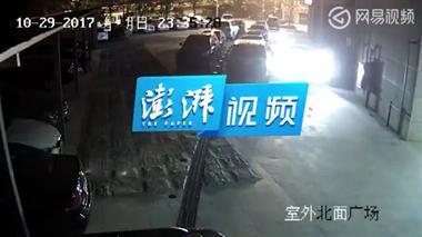 吸毒男子坠落遭后方汽车碾过 法院判司机承担主责