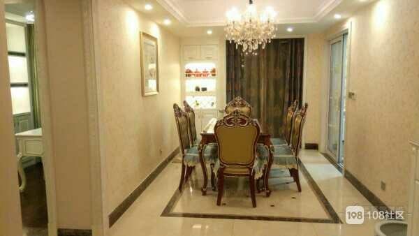 欧式豪华装修,中央空欧式真皮实木家居,卧室都180大床加柜加标准衣高