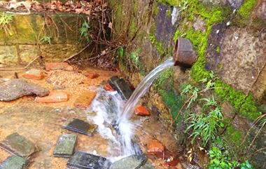 绍兴一工厂截留山水用作车间用水,附近居民不满:经常没水喝