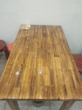 【转卖】实木桌子