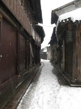 社友拿出十年前珍藏的新市老照片,看看今昔对比,有何不同?