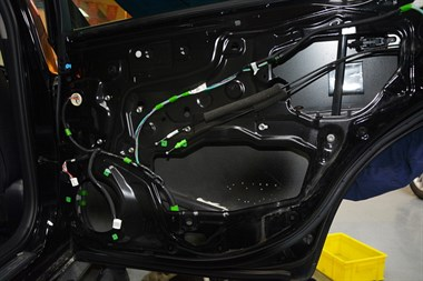 苏州广东仔汽车音响改装14代丰田皇冠汽车改装丹拿232