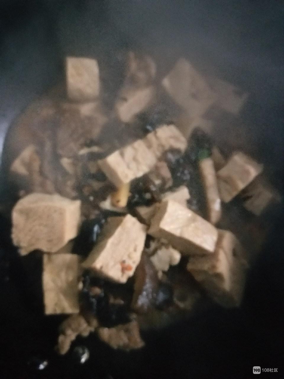 我从诸暨下雪的深山里捡到一块冻石头,做出来的菜...