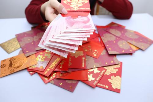 亲戚要结婚,老婆说得给7万元的随礼红包!德清男子发愁了
