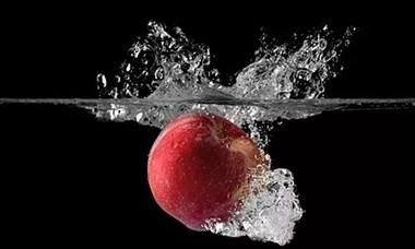 为什么自来水不能直接喝,用自来水洗的苹果却能直接吃···