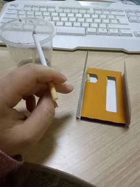 这些年经历的痛无处诉说,我一个女人学会了抽烟
