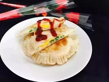 饺子皮不包饺子,打个鸡蛋一煎,成孩子爱不释口的美味早餐!