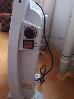 【转卖】转让9.9新奥克斯电暖器