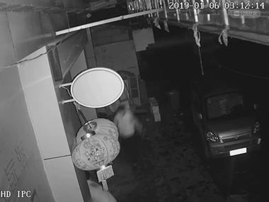 丽阳这超市盗窃的小偷团伙抓住了!数万现金挥霍一空
