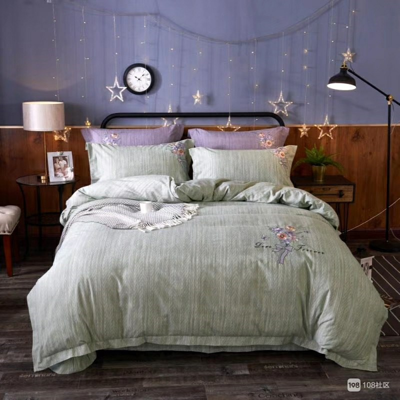 和商场家纺专柜的四件套品质相同,每年新出品30个版型花色,款式新颖图片