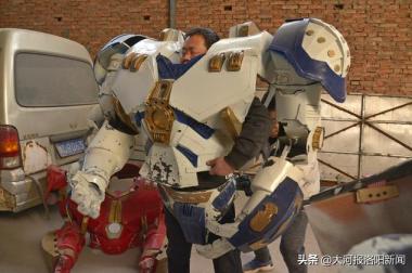 洛阳农民用手工造变形金刚,一个曾卖30万